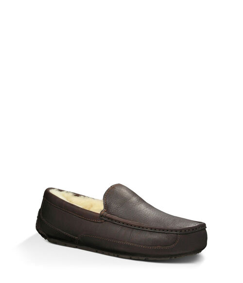 UGG Men's Ascot Sheepskin Slipper Loafers in China Tea, Size 13
